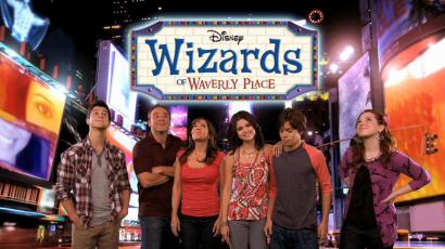 10 éve debütált a Varázslók a Waverly helyből