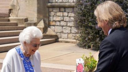 100 éves lett volna Fülöp herceg: így töltötte a napot Erzsébet királynő