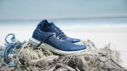 11 műanyagpalackból gyártja új futócipőit az Adidas
