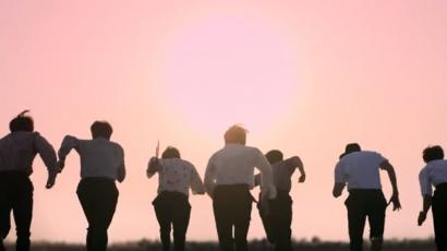 A BTS szerint örökké fiatalok vagyunk – klippremier