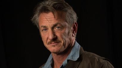 A lánya lehetne! Híres kollégája lányának csapja a szelet Sean Penn
