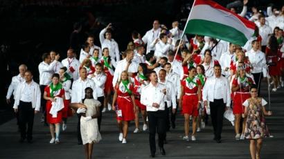 A magyar olimpiai formaruha a 9 legjobb között