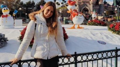 A párizsi Disneylandben lazít Kapás Boglárka