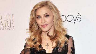 A színpadon villantott mellbimbót Madonna!