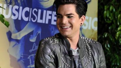 Adam a rajongói hatására vált meg szakállától
