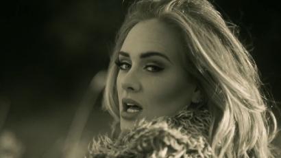 Adele megállíthatatlan – óriási rekordok dőltek meg