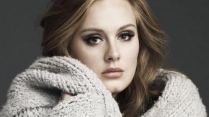 Adele nem adja el magát