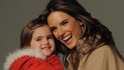 Alessandra Ambrosio kislánya már most anyja nyomdokaiba lép
