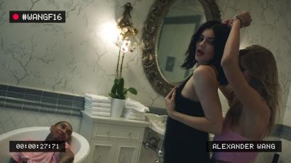 Alexander Wang a legnagyobb hollywoodi sztárokkal promózza új kollekcióját – videó