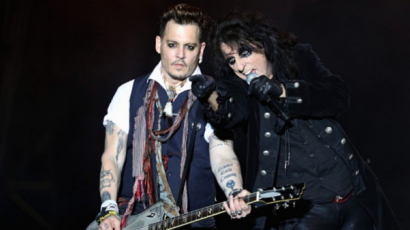 Alice Cooper kiállt Johnny Depp mellett