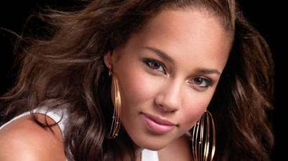 Alicia Keys adoptálna