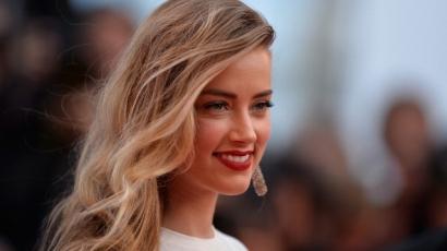 Amber Heard a családon belüli erőszak áldozatainak megsegítésére fordítja a válásából befolyó hétmillió dollárt