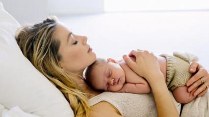 """Amber Heard a kislányáról: """"Én csak az anya és apa vagyok - ő a főnök"""""""