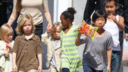 Angelina Jolie gyermekei a sztárrá válás útjára léptek
