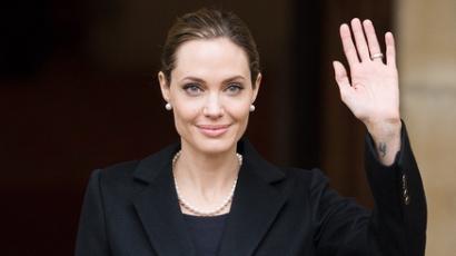 Angelina Jolie a nemi erőszak ellen kampányol