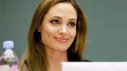 Angelina Jolie itthagyta Pittet