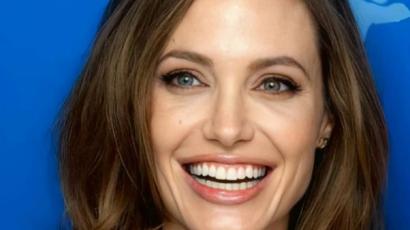 Angelina Jolie megmutatta, mit hord a táskájában
