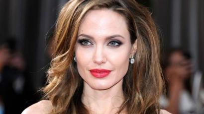 Angelina Jolie-nak nem lehet több gyereke