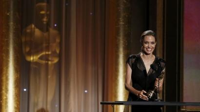 Angelina Jolie újabb Oscar-szobrocskával gazdagodott