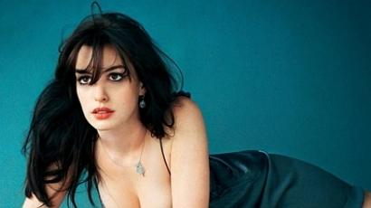 Anne Hathaway énekel új filmjében
