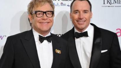 Apa lett Elton John