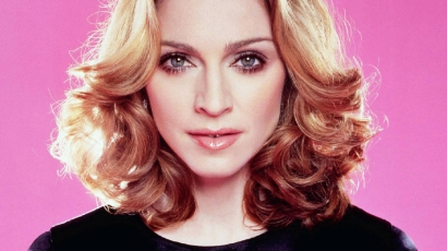 Gyémántberakásos Madonna fogsora!