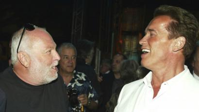 Arnold Schwarzenegger beszédet mond Andy Vajna temetésén