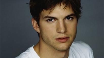 Ashton Kutcher beszólt Pittéknek