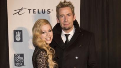Avril és Chad babát szeretnének!