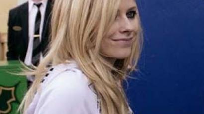 Avril Lavigne elárulta: alapítványon dolgozik