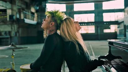 Avril Lavigne problémás pasijával parádézott