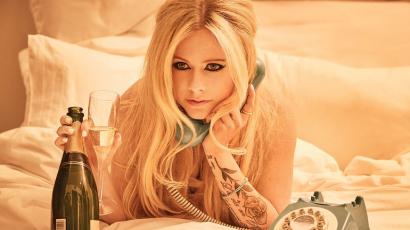 Avril Lavigne végre megszólalt azzal az összeesküvés-elmélettel kapcsolatban, miszerint már évek óta halott