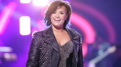 Az Allure magazinnak pózol Demi Lovato