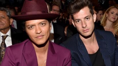 Az Uptown Funk miatt perlik Bruno Marsot és Mark Ronsont