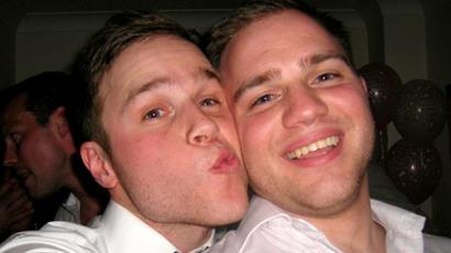 Az X-Factor miatt távolodott el Olly Murs és az ikertestvére! Hét éve nem állnak szóba egymással