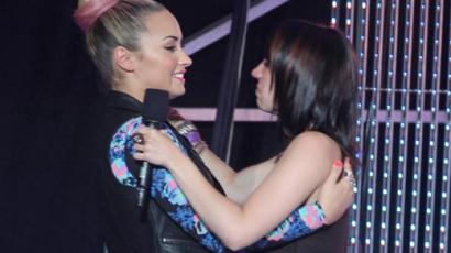 Az X Factor versenyzője megsiratta Demi Lovatót
