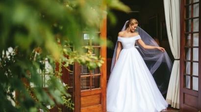Bámulatos menyasszony volt Rolene Strauss – fotók