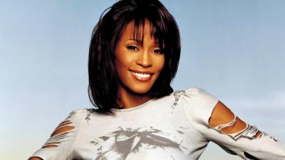 Barátai azt állítják, Whitney Houston romantikus kapcsolatban élt az asszisztensével