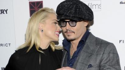Bárt épített szerelmének Johnny Depp