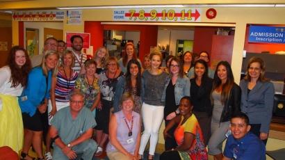 Beteg gyerekeket látogatott Jennifer Lawrence