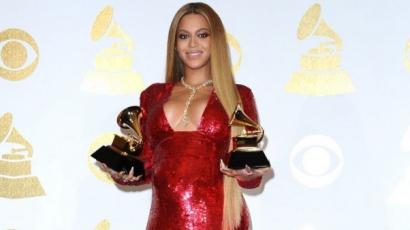 Beyoncé még mindig kórházban van az ikrekkel