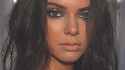 Bikiniben mutatta meg észveszejtő testét Kendall Jenner