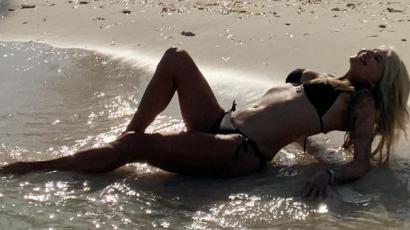 Bikinis fotót posztolt a 65 éves Christie Brinkley, ki hinné, hogy ennyi idős?