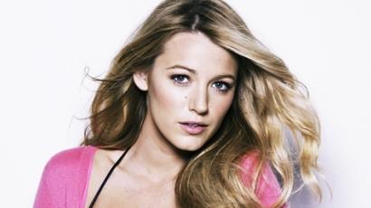 Blake Lively lehet a fiatal Carrie Bradshaw