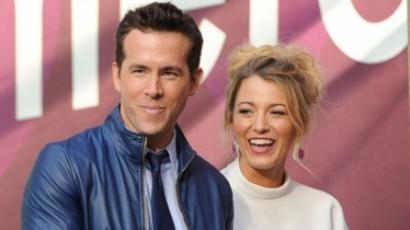 Blake Lively öltözteti férjét