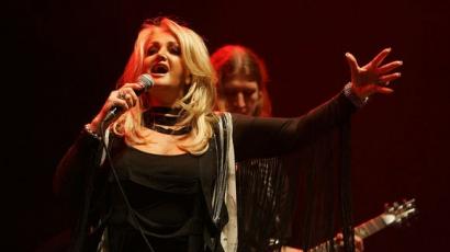 Bonnie Tyler tavasszal visszatér