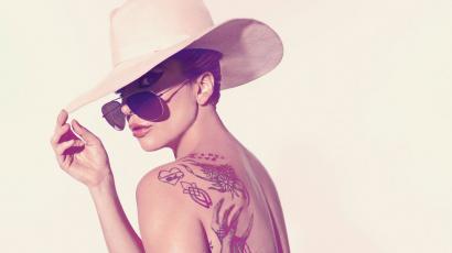 Borzalmasan meggyalázták Lady Gagát az új viaszfigurájával