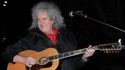 Brian May szégyenkezik Tom Jones döntése miatt