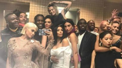 Brie Larson elismerte, irtó viccesen néz ki Kylie Jenner Met-gálás szelfijén
