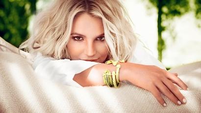 Britney beteg gyerekeket látogatott